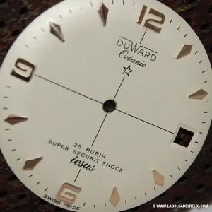 Esfera de reloj Duward personalizda con apellido