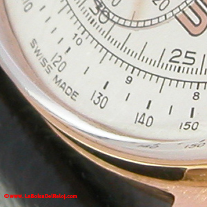 Detalle de esfera Breitling restaurada.