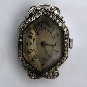 Reloj antes de su restauración