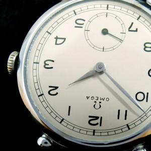 Detalle de reloj restaurado Omega