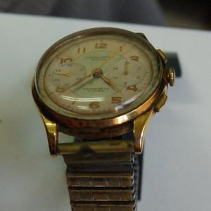 Reloj Chronographe suisse antimagnetic 17 rubis antes de su reparación y restauración