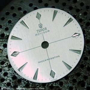 Esfera de reloj Tudor Advisor con la leyenda Shock Resisting