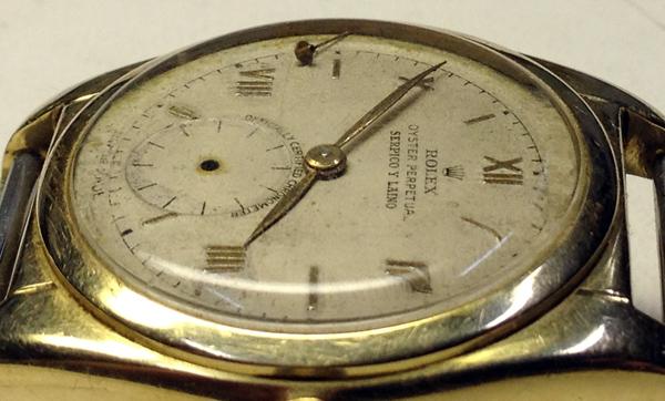 Detalle del reloj antes de su restauración.
