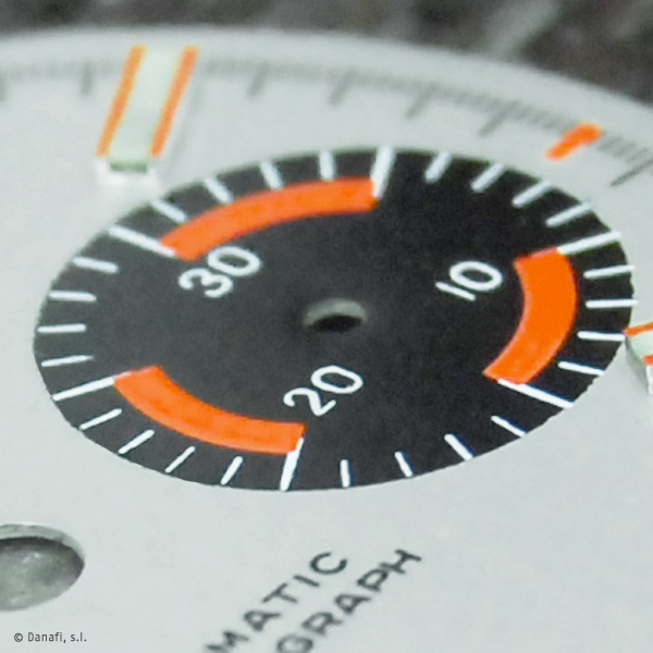 Heuer-Autavia-watch-restoration-Dial-and-Hands_07